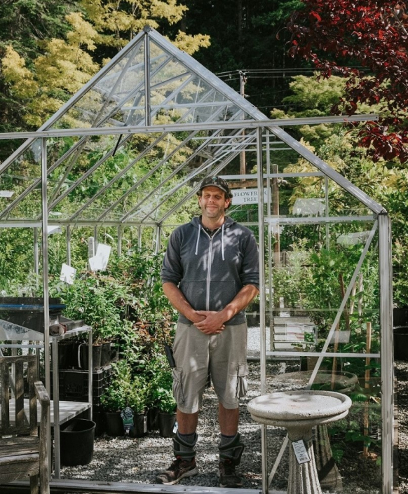 Nathan & Magnum 148 Greenhouse